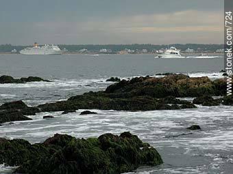 Photos of the open sea - Punta del Este and its near resorts - URUGUAY. Image #724