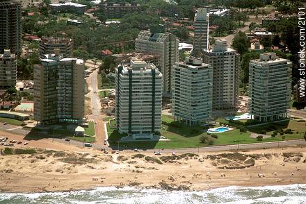 Playa Brava - Aerial photos of Punta del Este - Punta del Este and its near resorts - URUGUAY. Image #2101